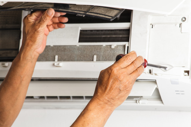 The Pros And Cons Of DIY Air Conditioner Repair
